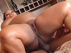 Big Booty Sista Gets Fucked