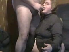 Fat chick giving a blowjob